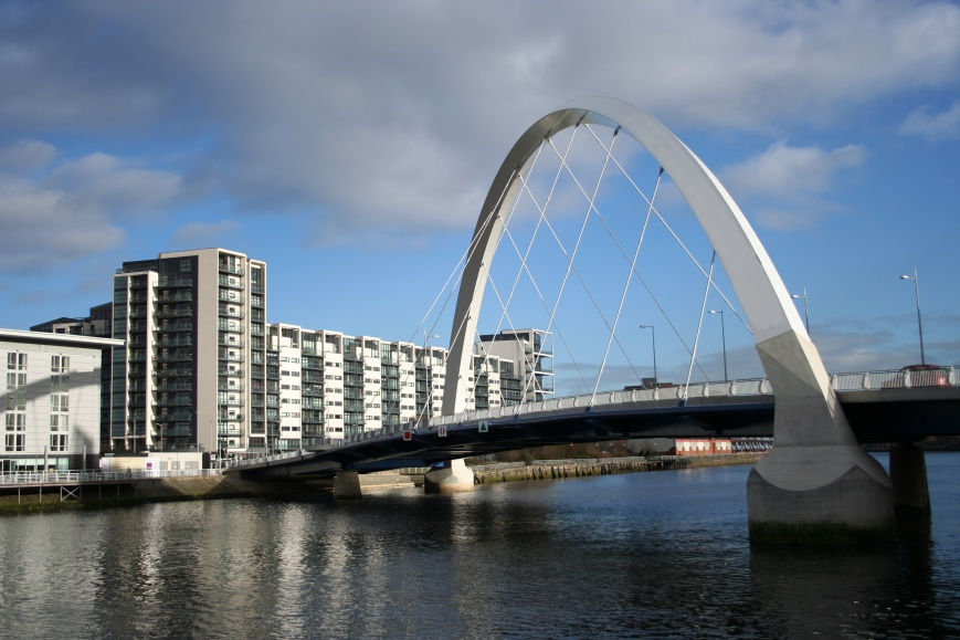 Bridge across river Clyde