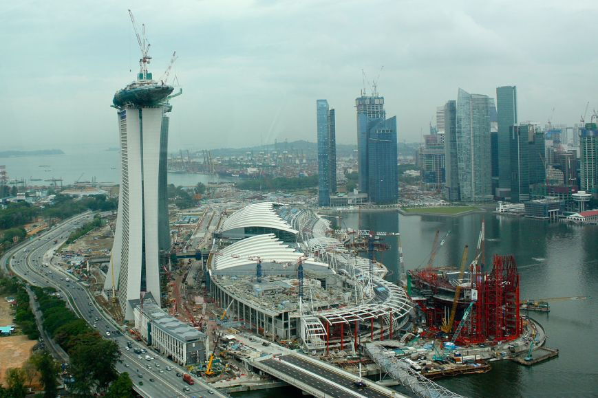 Marina_Bay_Sands_Casino,_Singapore_construction_site_(4448678186)