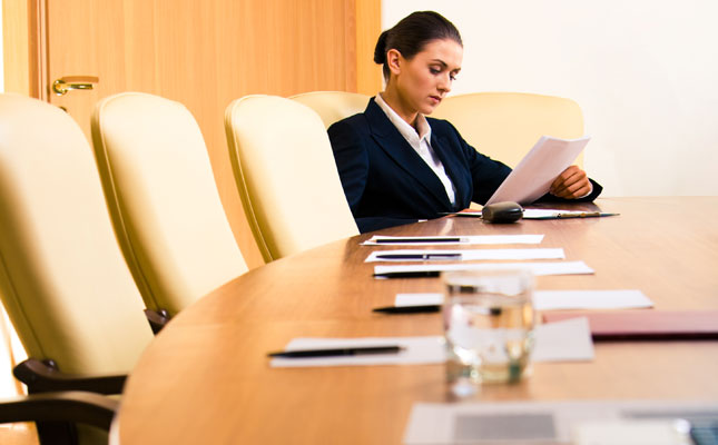 woman-in-boardroom_645x400