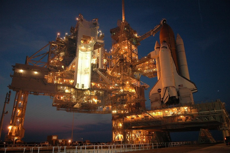 Discovery space shuttle on launchpad